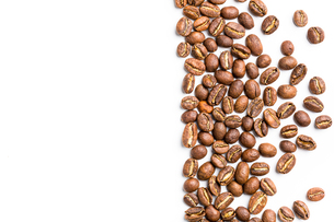 Coffee beans isolated on whiteの写真素材 [FYI00754024]