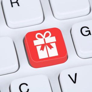 internet concept presents online shopping online shopping on the internetの写真素材 [FYI00754067]