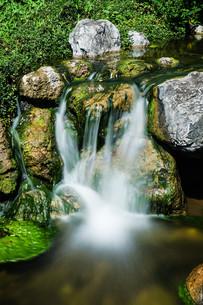 waterfall mountain streamの写真素材 [FYI00754352]
