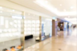 Shopping mall blur backgroundの写真素材 [FYI00754822]