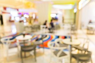 Blur background of restaurantの写真素材 [FYI00754842]