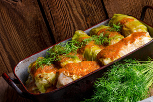 cabbage rolls out young cabbageの写真素材 [FYI00755461]