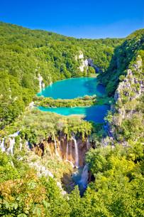 Beautiful falling lakes of Plitvice national parkの写真素材 [FYI00755505]