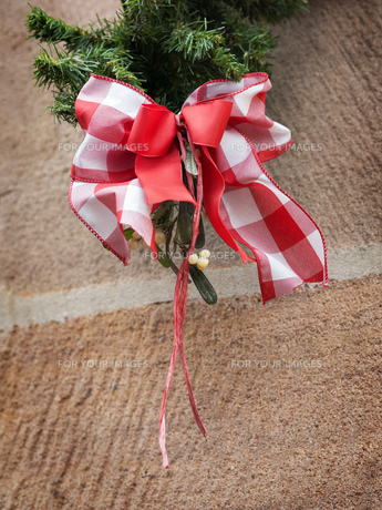 Red white bow Christmas Marketの写真素材 [FYI00755889]