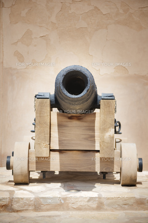 Historic cannon Omanの写真素材 [FYI00755905]