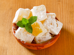 Mastic-flavored jelly cubes (Greek Turkish delight)の写真素材 [FYI00756296]