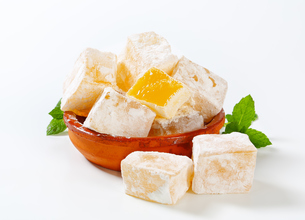 Mastic-flavored jelly cubes (Greek Turkish delight)の写真素材 [FYI00756297]