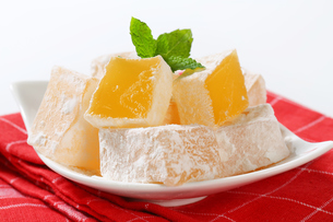Mastic-flavored jelly cubes (Greek Turkish delight)の写真素材 [FYI00756298]