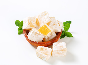 Mastic-flavored jelly cubes (Greek Turkish delight)の写真素材 [FYI00756300]