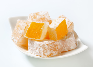 Mastic-flavored jelly cubes (Greek Turkish delight)の写真素材 [FYI00756303]