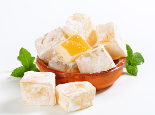 Mastic-flavored jelly cubes (Greek Turkish delight)の写真素材 [FYI00756311]
