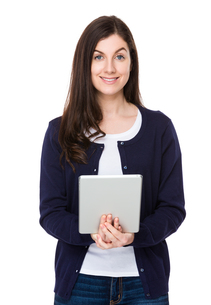 Caucasian woman use of tabletの写真素材 [FYI00756755]