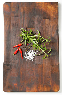 Rosemary, peppercorns and red chili peppersの写真素材 [FYI00756873]