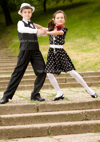 Let's dance!の写真素材 [FYI00756988]
