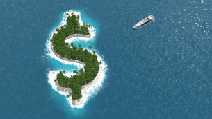 Tax haven, financial or wealth evasion on a dollar island. A luxury boat is sailing to the island.の写真素材 [FYI00757424]