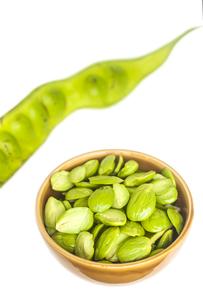 Sato seeds in bowlの写真素材 [FYI00757612]