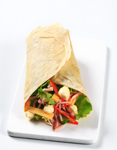 Easy ham and cheese wrapの写真素材 [FYI00757742]