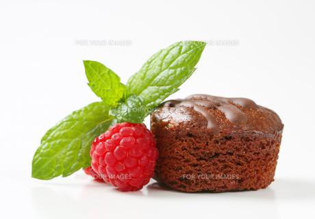 Mini chocolate cakeの写真素材 [FYI00757907]