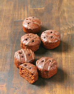 Mini chocolate cakesの写真素材 [FYI00757913]