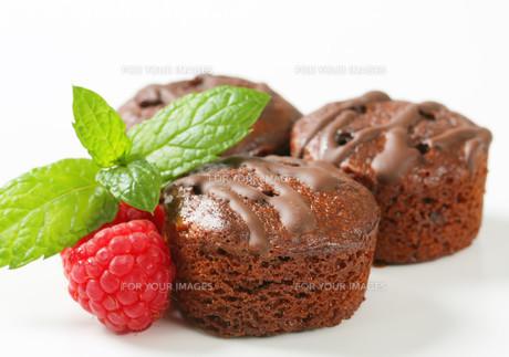 Mini chocolate cakesの写真素材 [FYI00757915]