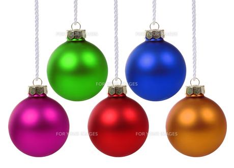 colorful christmas balls hanging christmas cutの素材 [FYI00758073]