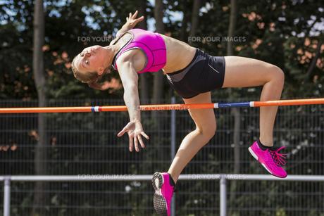 high jumpの素材 [FYI00758167]