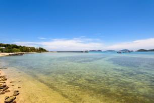 Sea near bridge pier at Laem Panwa Cape in Phuket, Thailandの写真素材 [FYI00758173]