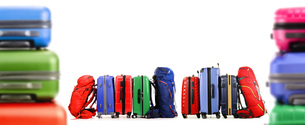 Suitcases and backpacks isolated on white backgroundの写真素材 [FYI00758437]