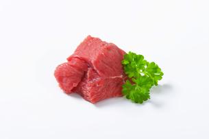 Raw beef meat chunkの写真素材 [FYI00758534]