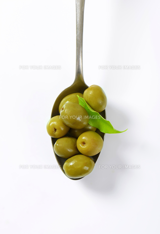 Spanish green olivesの素材 [FYI00758598]