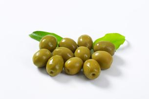 Spanish green olivesの素材 [FYI00758608]