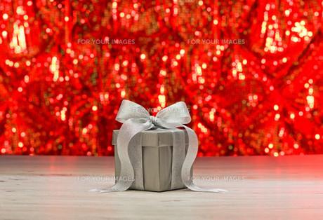 Silver presentの素材 [FYI00758980]