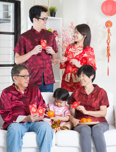 Asian Chinese New Year greetingの写真素材 [FYI00759003]