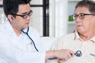 Senior people healthcareの写真素材 [FYI00759025]