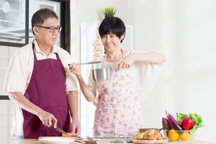 Preparing mealの写真素材 [FYI00759026]