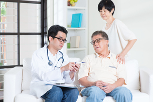 Doctor and patientの素材 [FYI00759034]