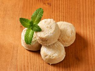 Polvorones - Spanish Shortbread Cookiesの写真素材 [FYI00759222]