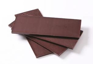 Dark chocolate barsの写真素材 [FYI00759264]