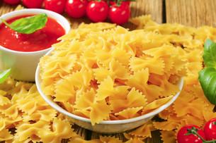 Bow tie pastaの写真素材 [FYI00759296]