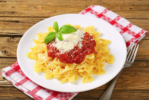 Pasta farfalle with tomato sauce and cheeseの写真素材 [FYI00759374]