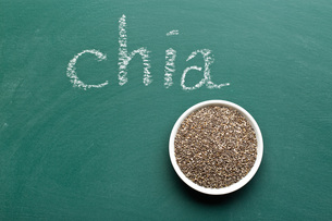 chia seeds in bowlの写真素材 [FYI00759579]