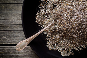 chia seeds in spoonの写真素材 [FYI00759594]