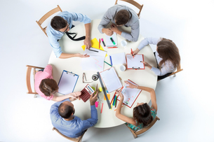 Top view of business team on workspace backgroundの写真素材 [FYI00760496]
