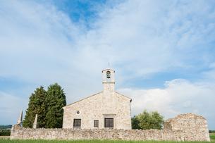 Little Church of the 13th centuryの素材 [FYI00760533]