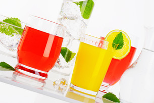 Variety of cold drinksの写真素材 [FYI00760874]