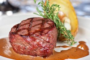 beef steakの写真素材 [FYI00760921]