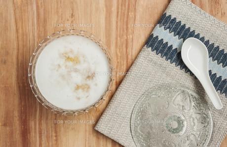 Dessert With Coconut Milkの写真素材 [FYI00761553]