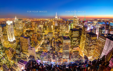 New York City Manhattan downtown skyline.の写真素材 [FYI00761826]