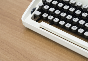 Vintage typewriter keyboardの写真素材 [FYI00761985]