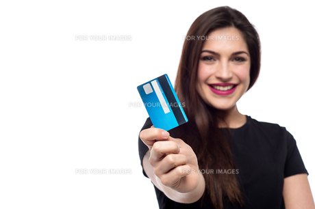 Shop easy with credit card !の写真素材 [FYI00762225]